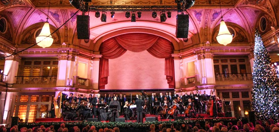 Kurhaus Christmas Concert with The New Symphonics